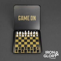 Iron & Glory Spel Game On CHess Geen kleur