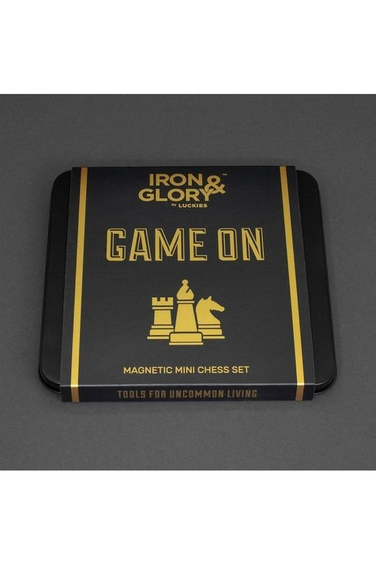 Iron & Glory Jeu Game On Chess Pas de couleur / Transparent