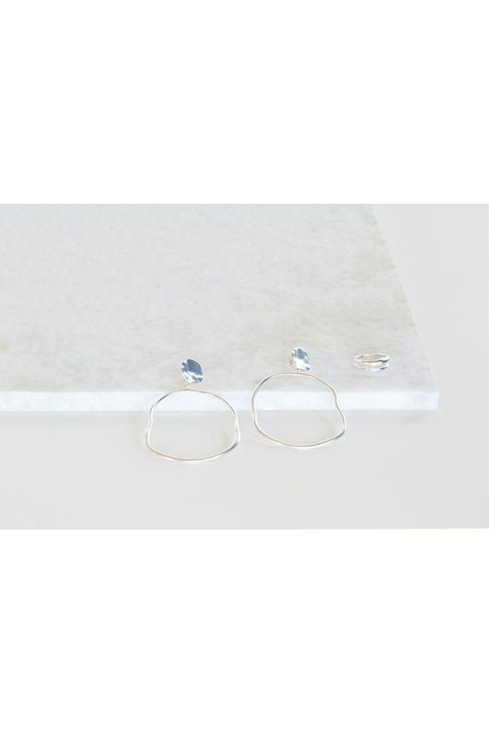 Yaya Oorbel Oval Hoop Earrings With Hammered Look Zilver