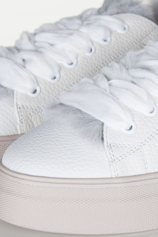 Yaya Sneaker With Lammy Detail Wit